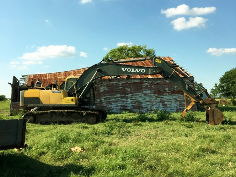 Rick Hasdorf Barn Demoliton Edna, TX (1024x911)